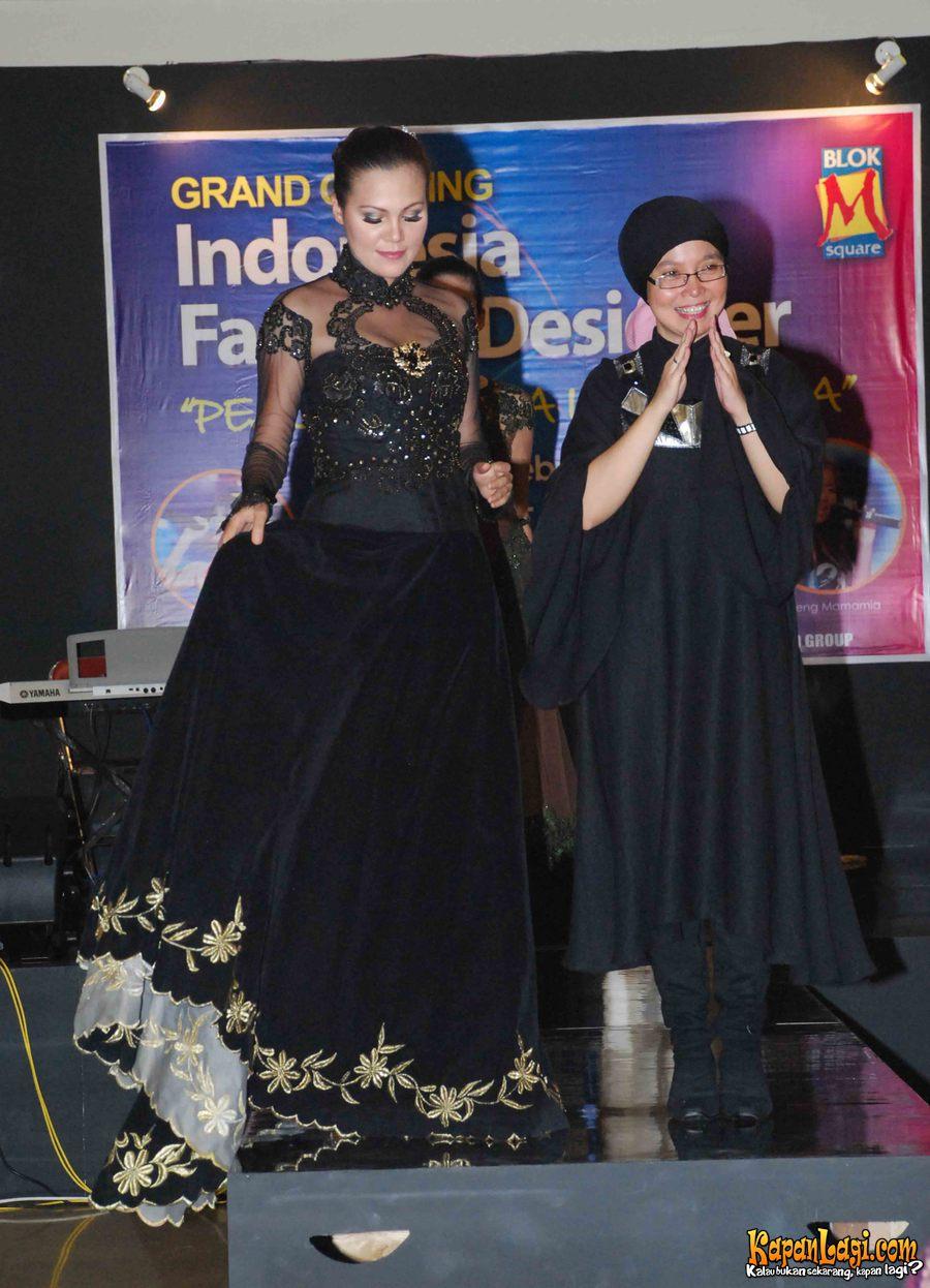 Fashion Designer Indonesia | WANITA GAYA