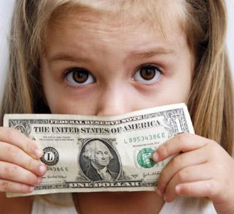 5 Cara Salah Mengenalkan Uang pada Anak