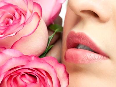 Cara Alami Membuat Bibir Gelap Jadi Merah Muda