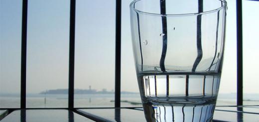 4 Manfaat Minum Air Putih yang Tak Terduga