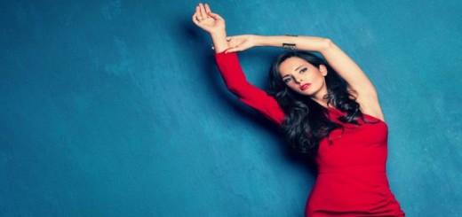 Busana Warna Merah Jadikan Wanita Lebih Bahagia